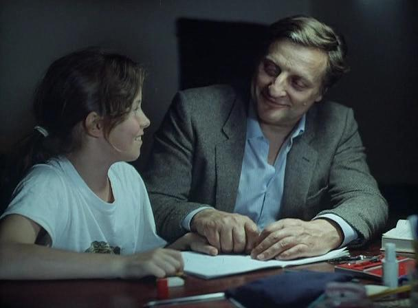 Bruno Cremer as the Examplary Father Figure In a Democratic Family